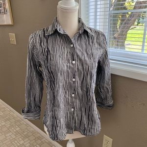 Foxcroft Hampton fitted and crinkle  blouse, Sz. 6